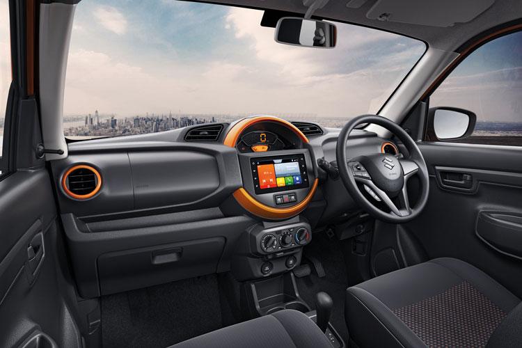 Suzuki S.Pressos- Interior